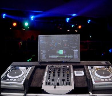 best DJ set for beginners Getting A DJ Set For Beginners – A Basic DJ Set Up