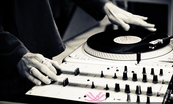 how to start DJing How To Start DJing – Getting Your DJ Career Started