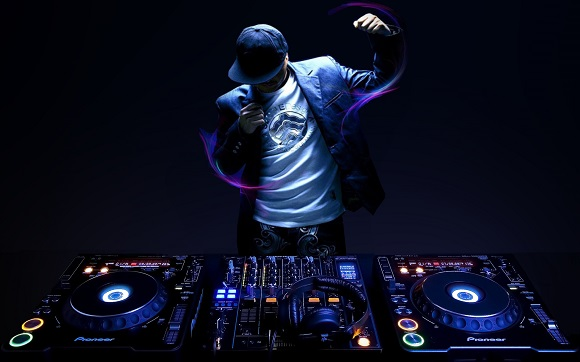 dj+tools+beatport Beatport, Android & Other Digital Tools Killing the Art of DJing