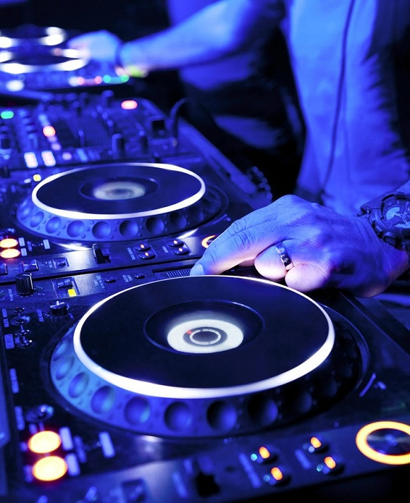 DJ Lessons Sell Your Brand