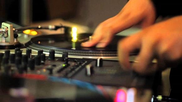 smush-DJ+mixing_how+to