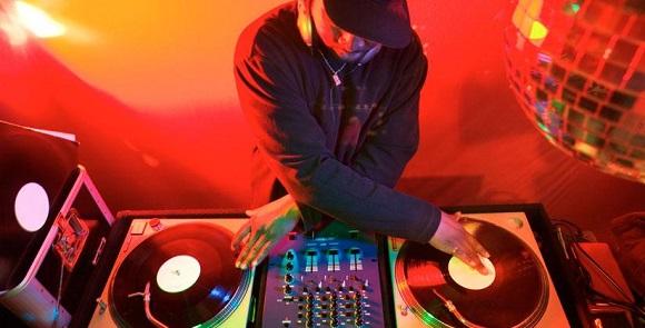 smush-DJ+record+pools