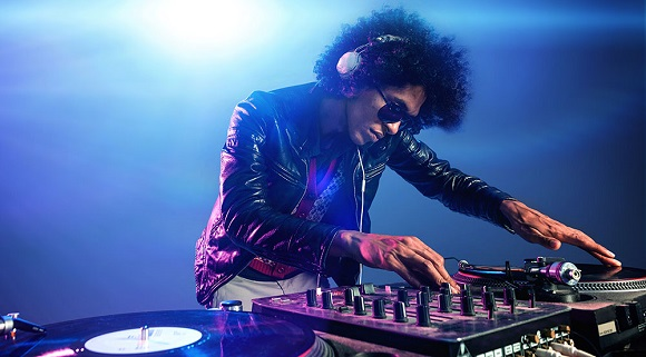 smush Take+DJ+lessons+online Why You Should Take DJ Lessons Online