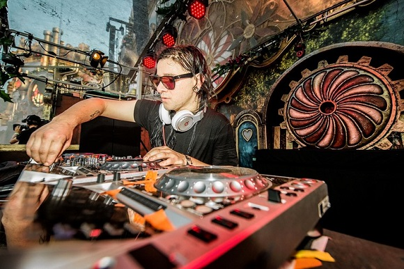 Digital DJ career
