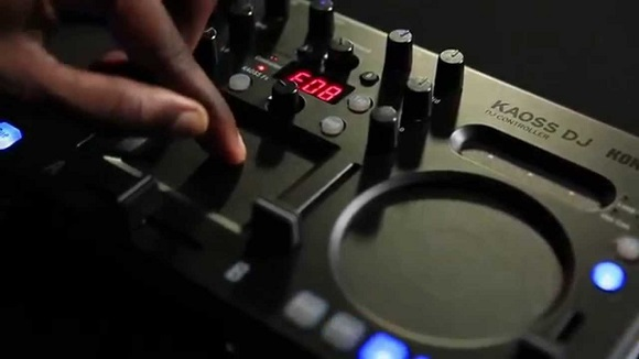 DJ equipment review_KAOSS DJ